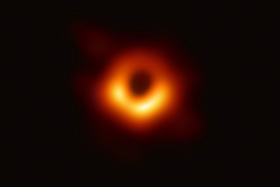 Primeira foto do buraco negro